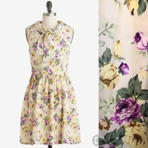 ⭐️ NEWARRIVAL Modcloth Cream Floral Tie Neck Dress